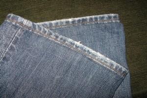 Как правильно подвернуть джинсы