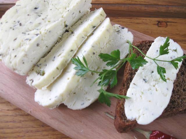 Домашній сир власними руками