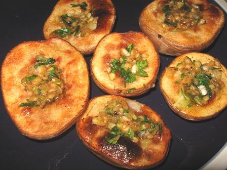 Печена картопля з саламахою