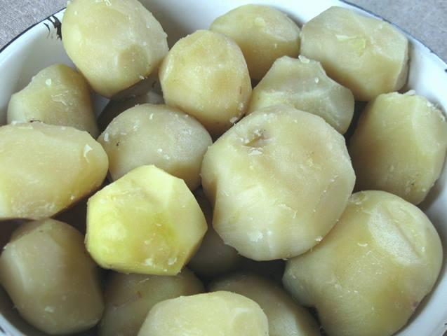 Картопляні зрази з зеленню та яйцем
