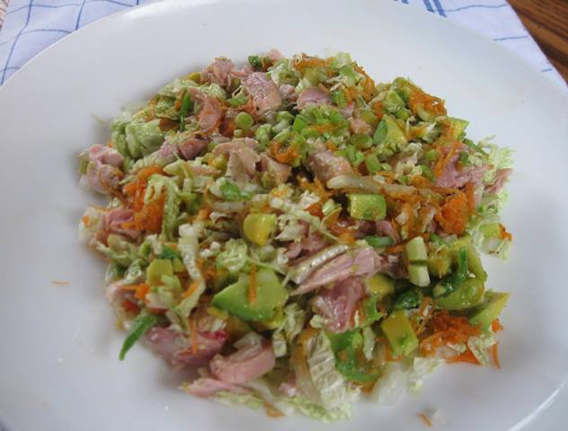 Салат з авокадо Ням-ням