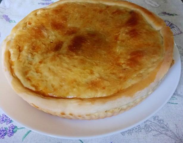 Капустяний пиріг на дріжджовому тісті