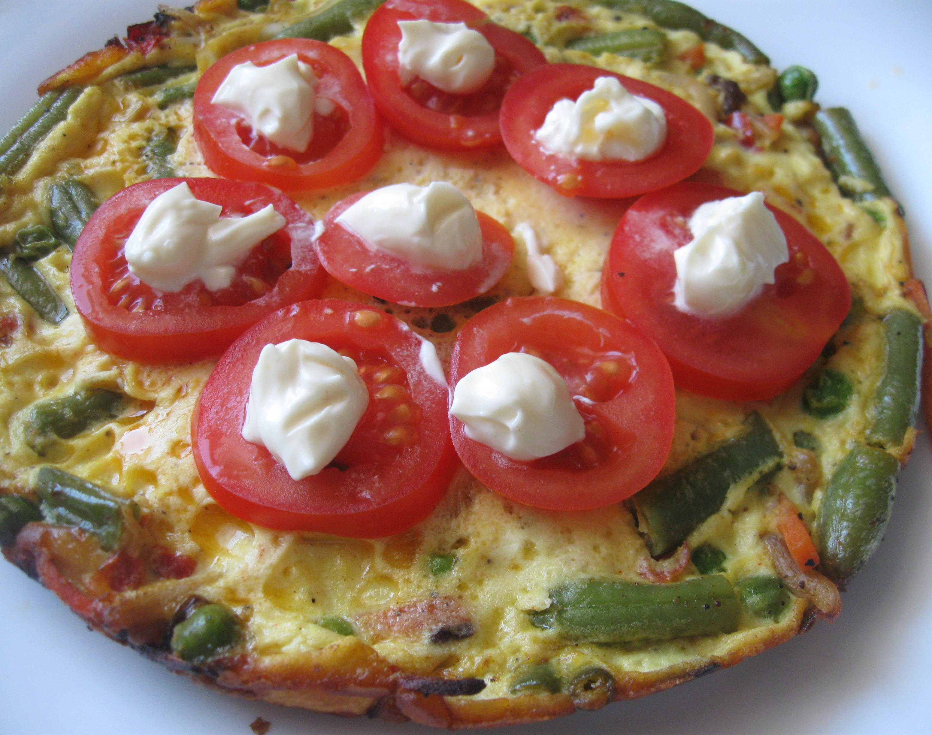 Омлет з овочами і сиром